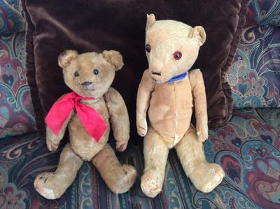 Very old teddy bears