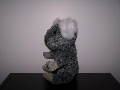 Koala seated profile